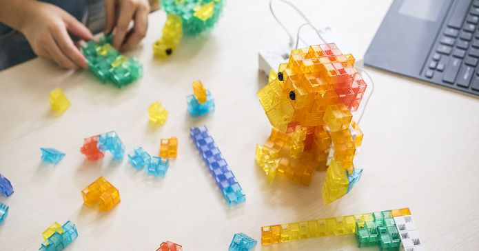 Sony's KOOV is a 300+ piece coding kit for kids to bring blocky