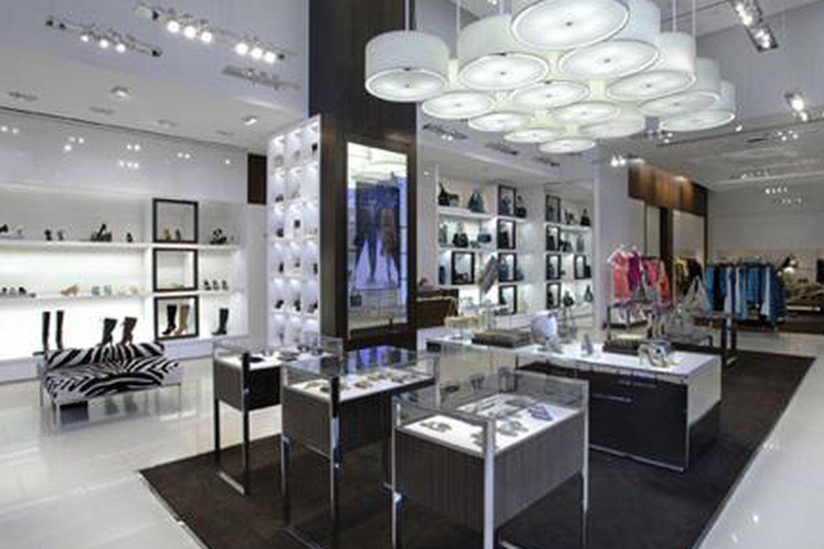 "Michael Kors' new shop at the Beverly Center. Image via <a href=""http://blackburnandsweetzer.com/2009/09/09/shops-michael-kors-opens-at-beverly-center/"">B+S</a>"