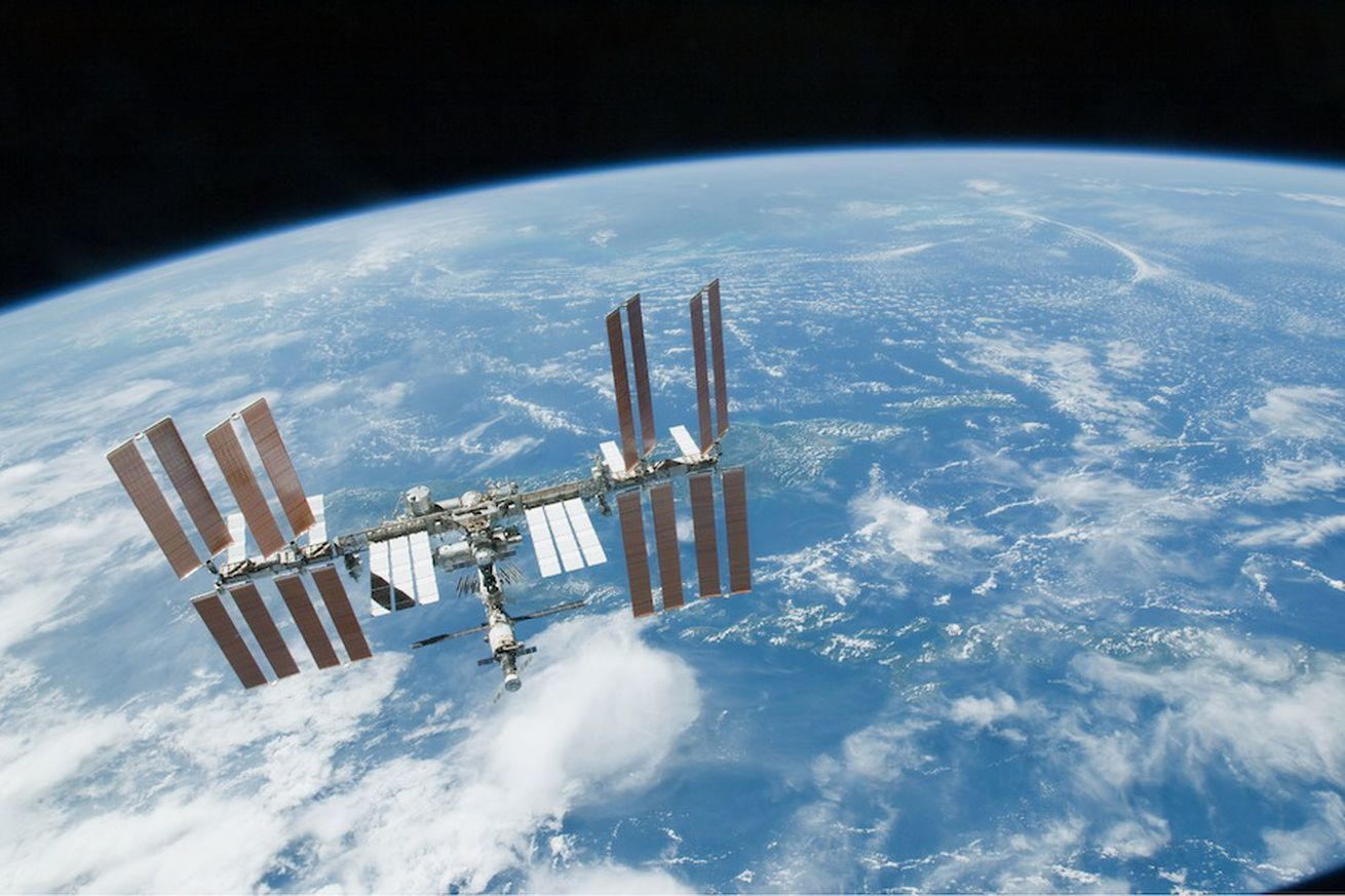 nasa is trying to squash conspiracy theories about the space station leak