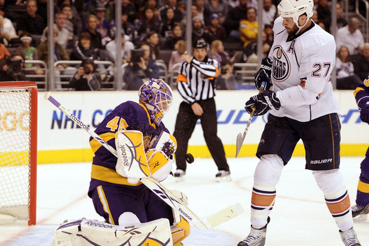 Jonathan Bernier and Dustin Penner are now teammates in Los Angeles.