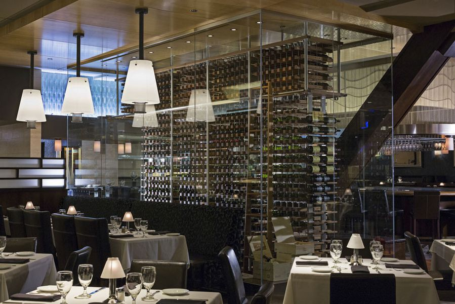 Eddie v 39 s prime seafood opens today in river north eater for Best private dining rooms twin cities