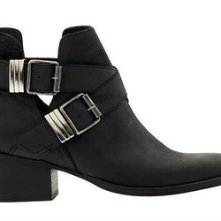 """Steve Madden <a href=""""http://piperlime.gap.com/browse/product.do?cid=92874&vid=1&pid=662604002"""">ankle boots</a>: """"These buckle-trimmed black boots can take you from the dead of winter doldrums to a summer music festival."""""""