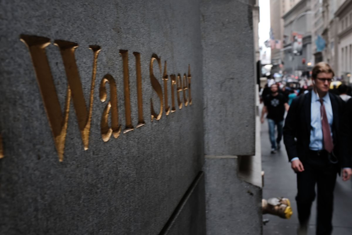 Stock Markets Re-Open After Dow Takes A Deep Dive