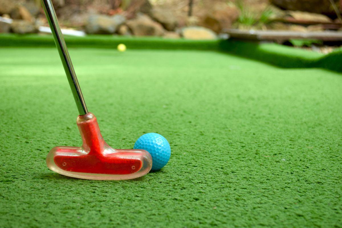 Mini Putt Golf