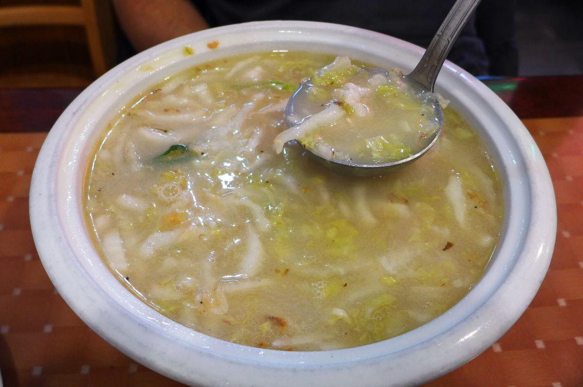 Dough soup with dried shrimp
