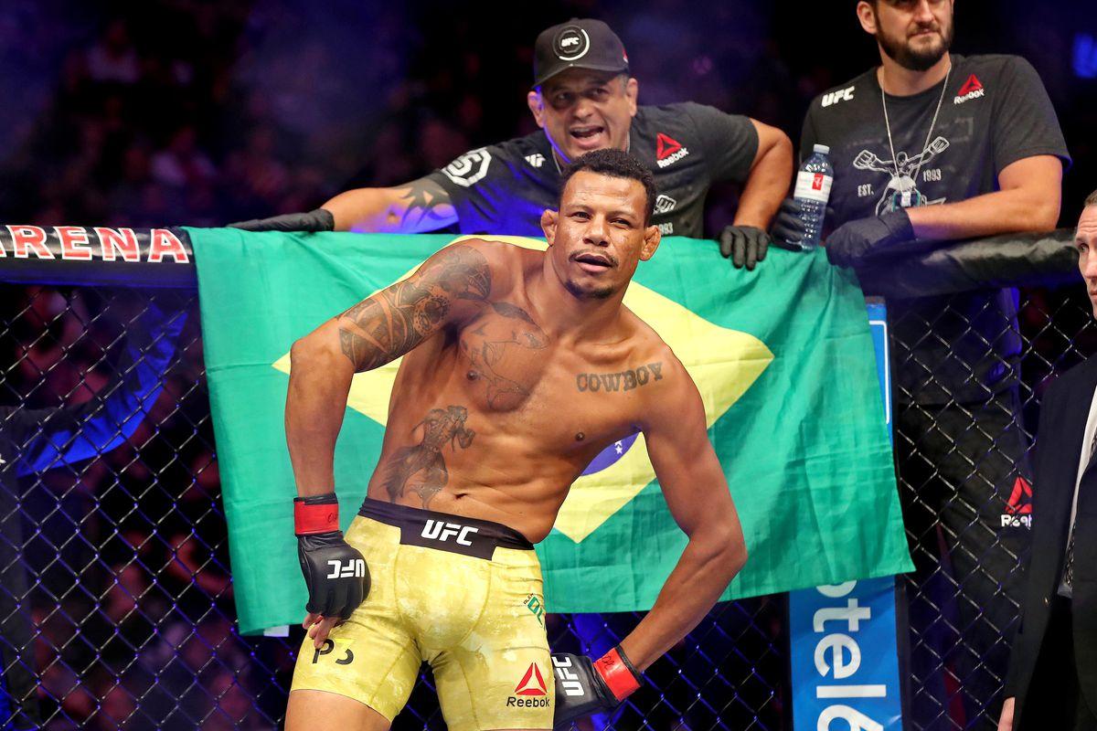 MMA: UFC 231-Oliveira vs Nelson