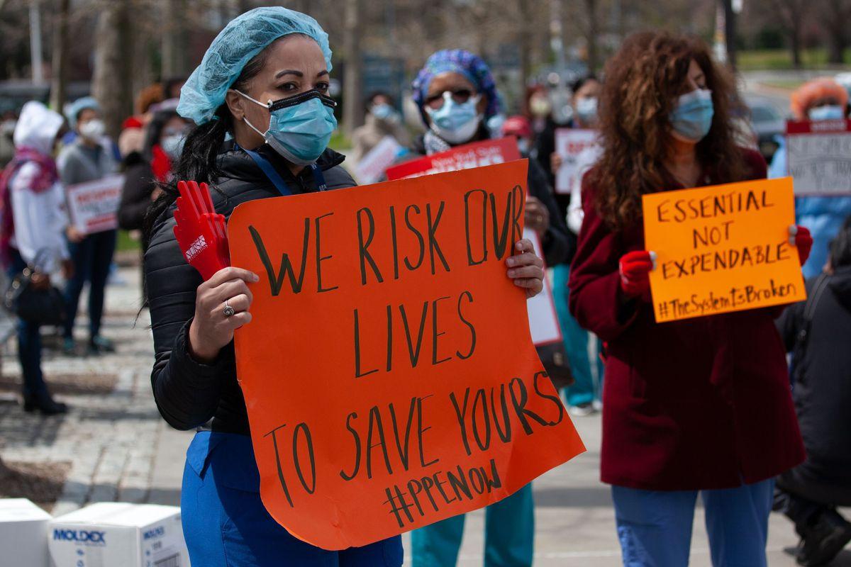 4aebe7c0e56cbdb5454ad325f89bbb55e322 041720 jacobi nurse protest 2 - New York Metropolis's COVID Gear Bungle: Flawed Masks and 'Lacking' Ventilators