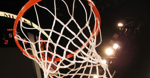 Facebook will begin live-streaming college basketball games - The ...