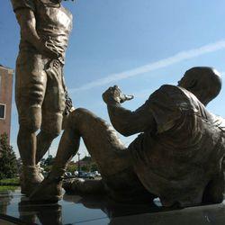 """<strong>2006- Bronze sculpture """"Sportsmanship"""" by Edward Jonas at the FSU Doak Campbell football stadium</strong>"""