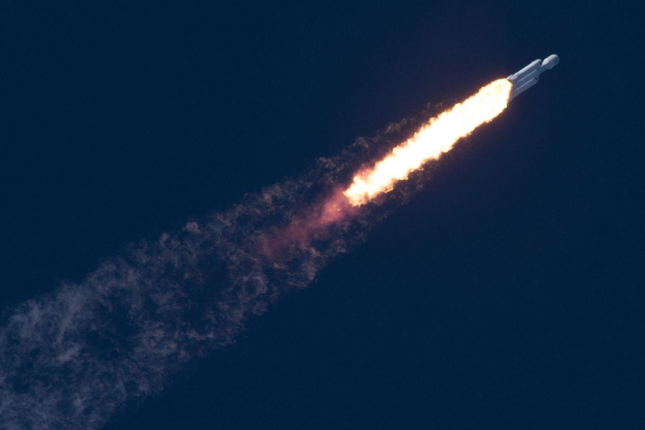 <em>SpaceX's Falcon Heavy rocket on its inaugural flight</em>