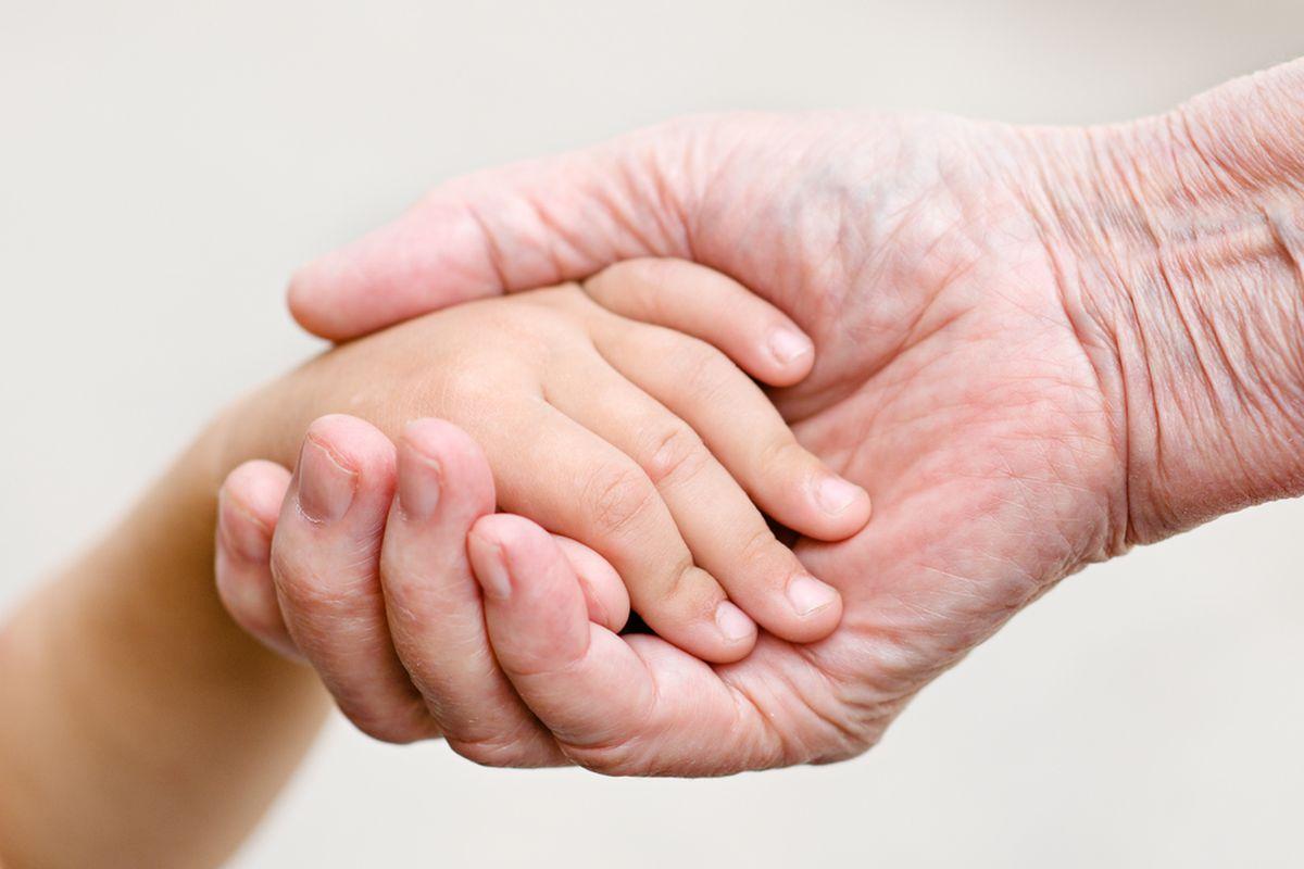 hands (SHUTTERSTOCK)