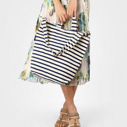 """Baggu Striped Tote Bag, <a href=""""http://www.fredflare.com/ACCESSORIES-bags/Baggu-Striped-Tote-Bag/"""">$28</a>"""