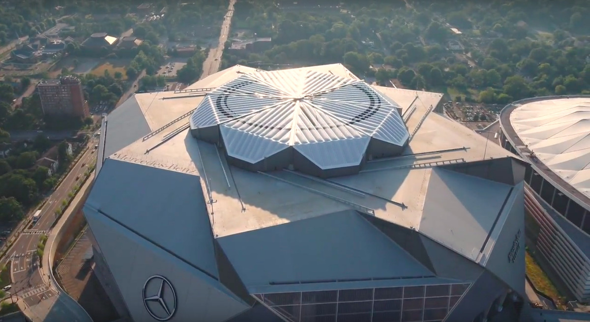 Mercedes benz stadium s roof will now be open for national for Apartments near mercedes benz stadium
