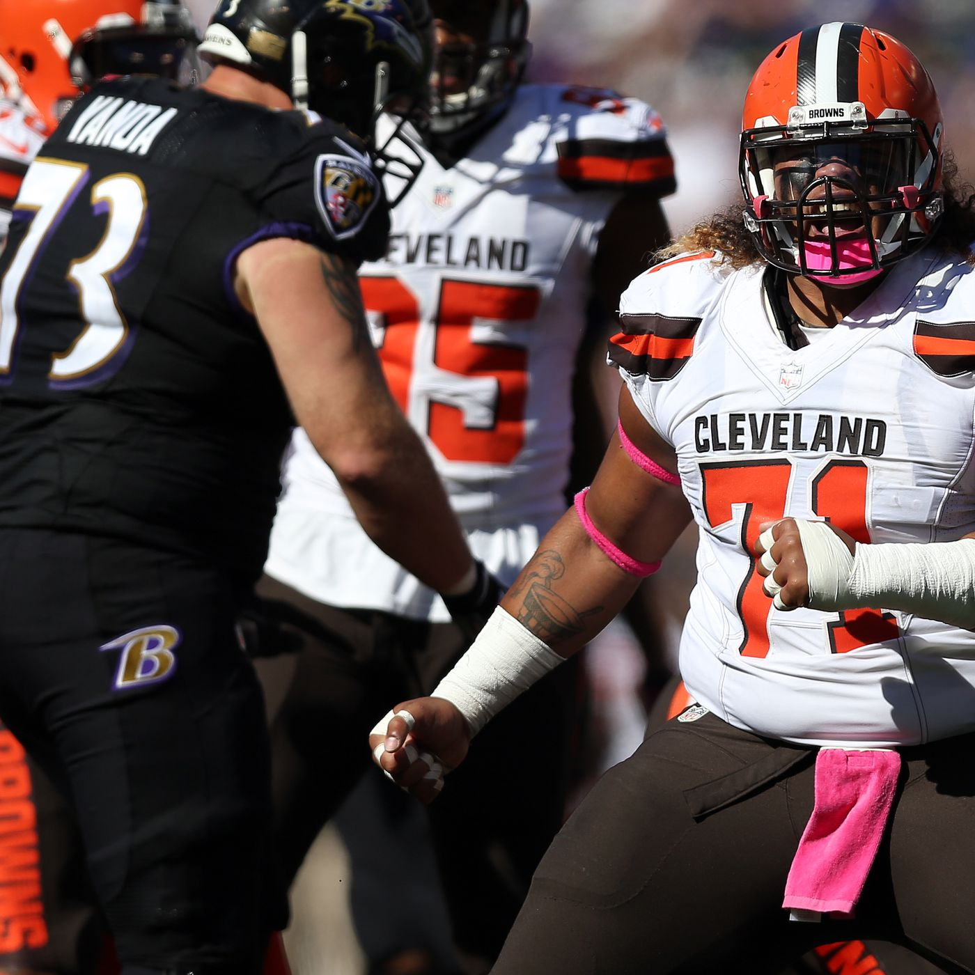 b3559f55 BREAKING: Patriots acquire DT Danny Shelton from the Cleveland ...