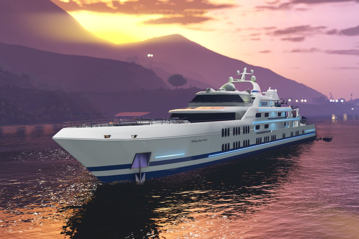 A large super yacht in GTA Online