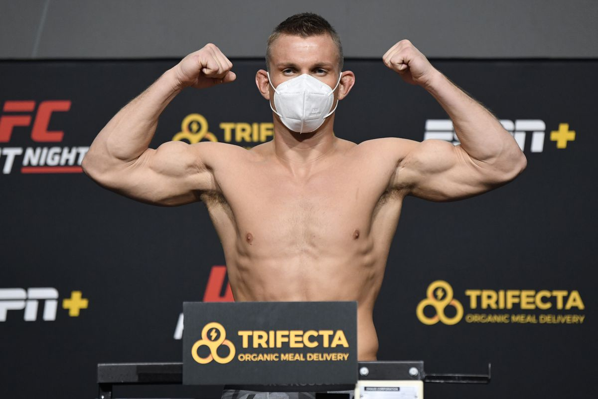 UFC Fight Night Santos v Teixeira: Weigh-Ins