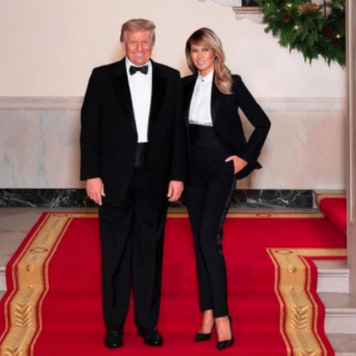 President Trump Melania Trump Sport Matching Tuxedos In 2020 Christmas Portrait Chicago Sun Times