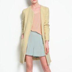 "<b>Zara</b> coat with piped pocket, <a href=""http://www.zara.com/webapp/wcs/stores/servlet/product/us/en/zara-us-S2012/190033/739003/COAT%2BWITH%2BPIPED%2BPOCKET"">$159</a>"
