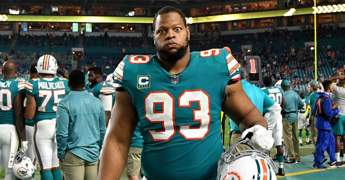 The Ndamukong Suh NFL free agency tour continues; Will visit the Rams