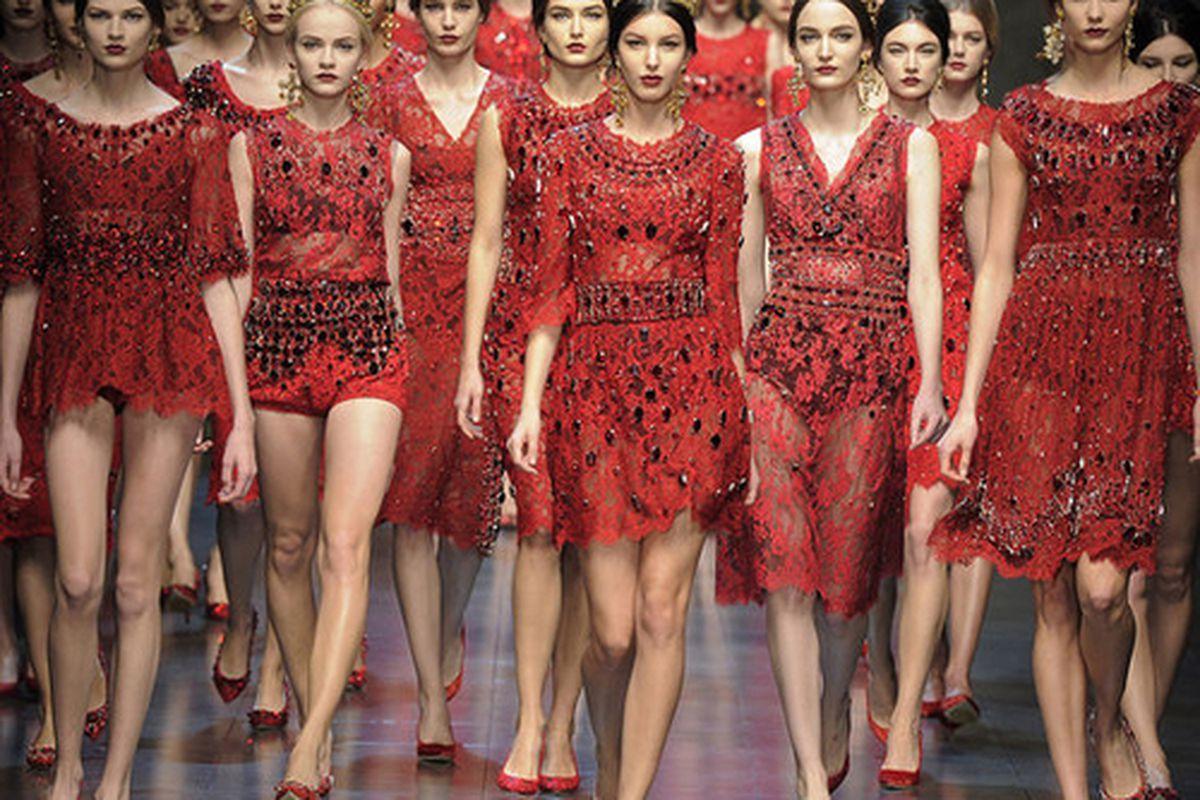 "Photo via <a href=""http://www.fashionologie.com/Dolce-Gabbana-Review-Fashion-Week-Fall-2013-28206024"">PopSugar</a>"
