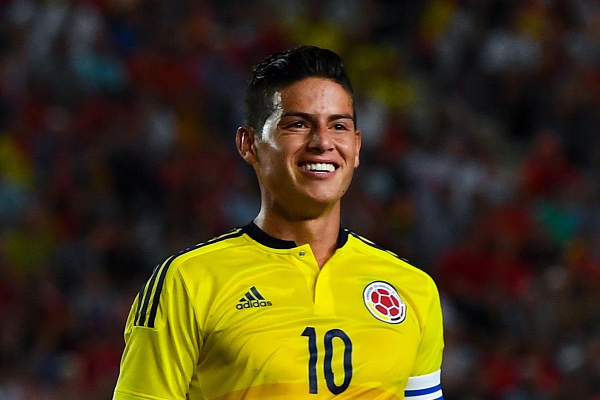 Chelsea enter race to sign Man United target James Rodriguez