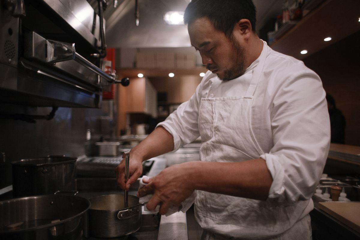 david chang's momofuku empire will open a los angeles restaurant
