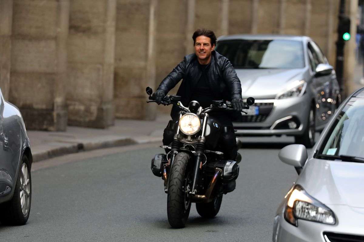 Tom Cruise on the Set of Mission : Impossible 6 Gemini - in Paris