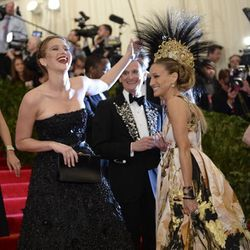 "SJP and Jennifer Lawrence <a href=""https://twitter.com/tomandlorenzo/status/331561915572699136/photo/1"">BEST FRIENDS</a>."