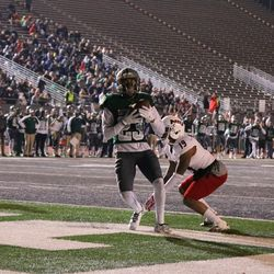 Sergio Bailey pulls in Eastern Michigan's second touchdown.