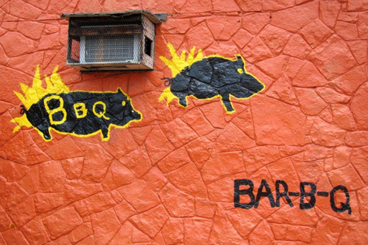 J R's Bar B Que.