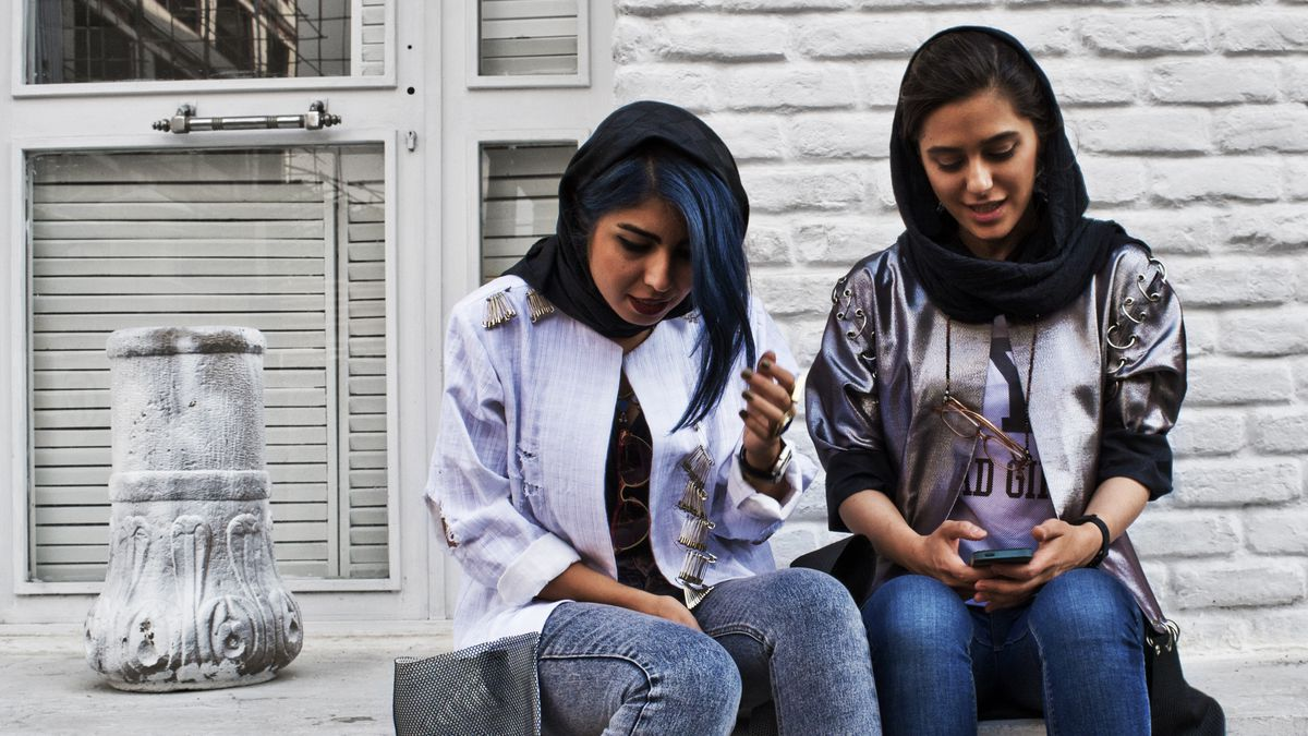 How Iranian Women Became the Queens of Online Shopping - Racked