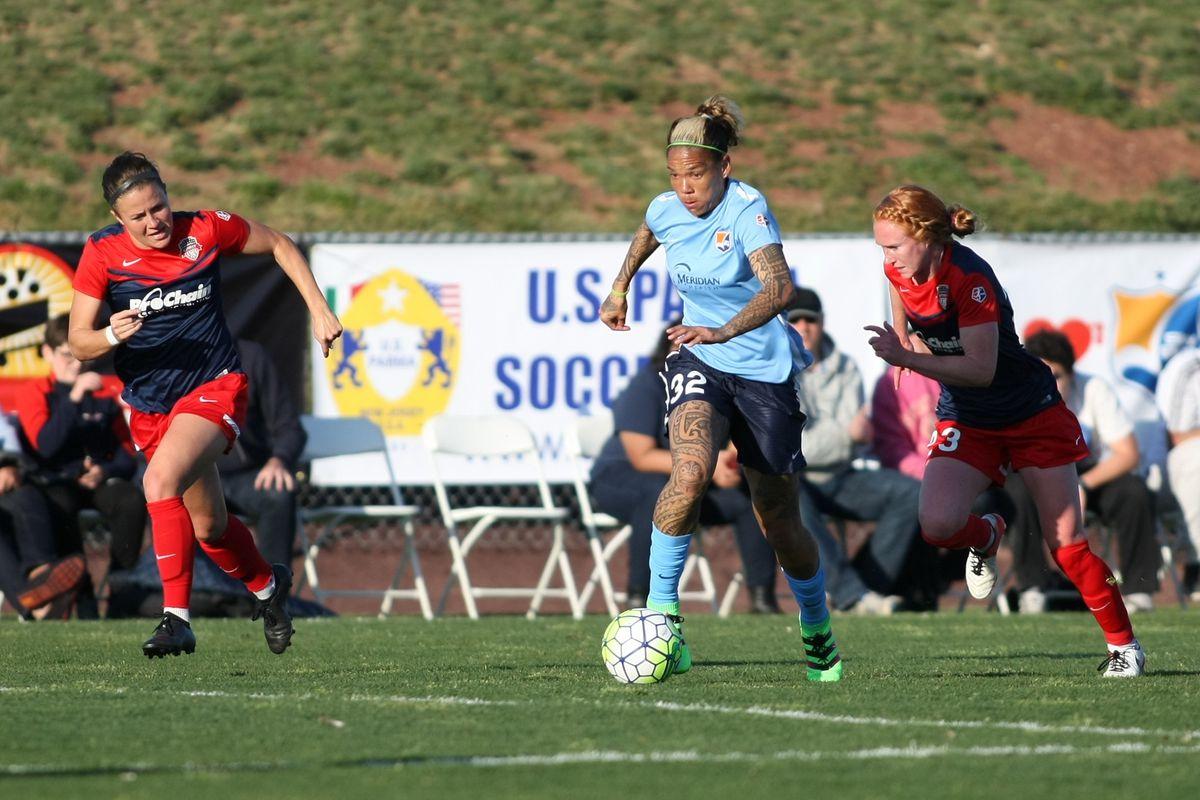 Tasha Kai races down the pitch
