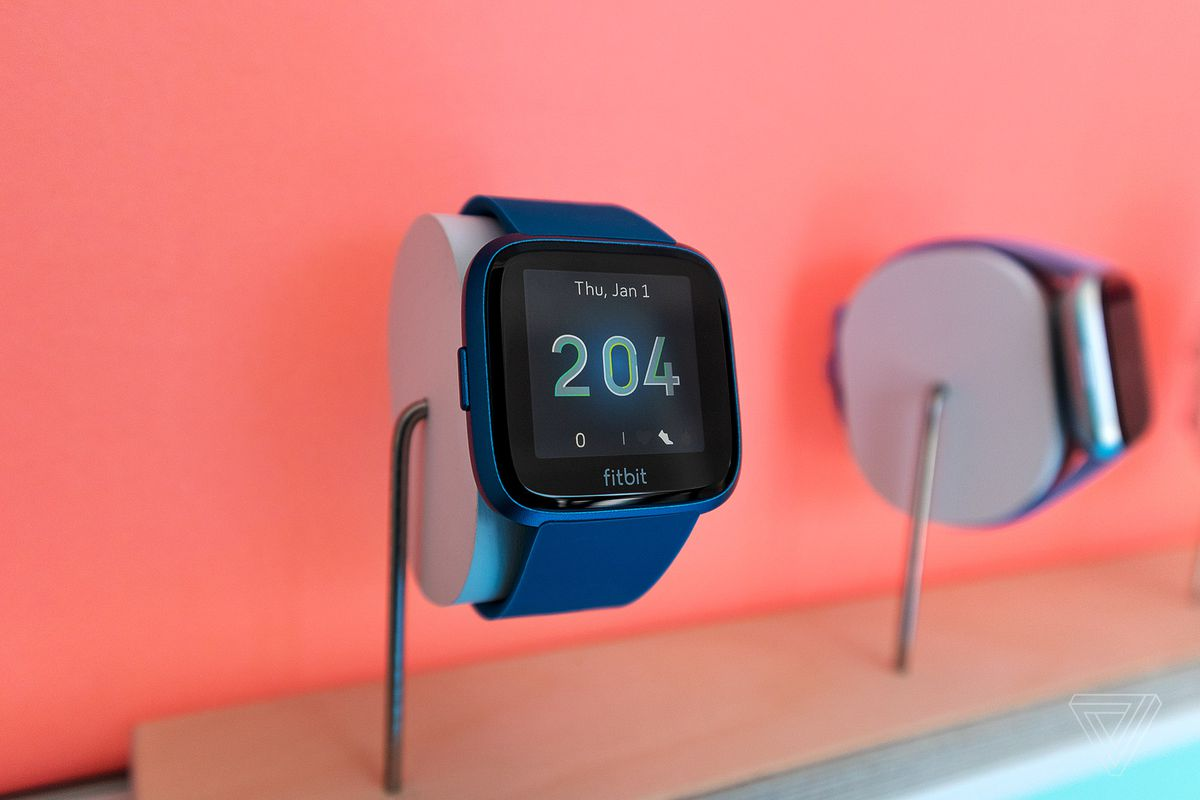 Fitbit's $160 Versa Lite is a pared-down version of its
