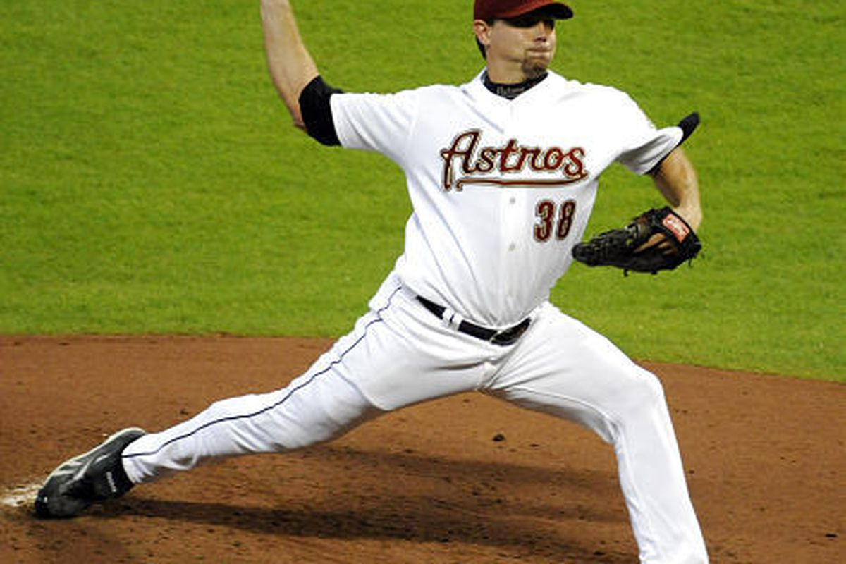 Houston Astros' Brian Moehler (38) delivers a pitch in the third inning against the Arizona Diamondbacks.