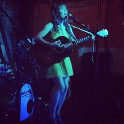 "Jenny Lewis! [Photo via <a href=""http://instagram.com/p/Q6GWwbmU2b/"">@CouldIHaveThat</a>]"