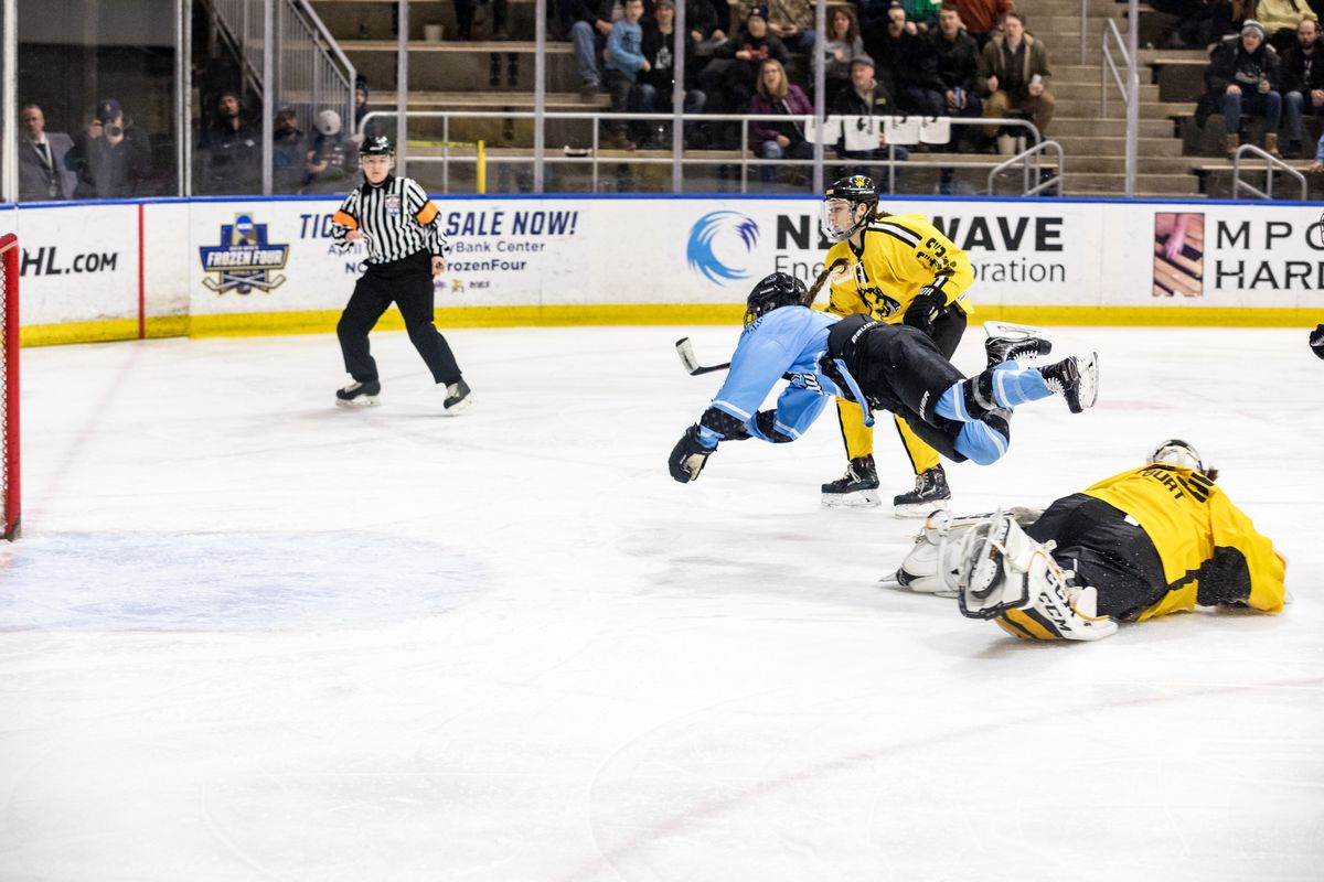 North American Women S Hockey Is No Stranger To Turbulence The Ice