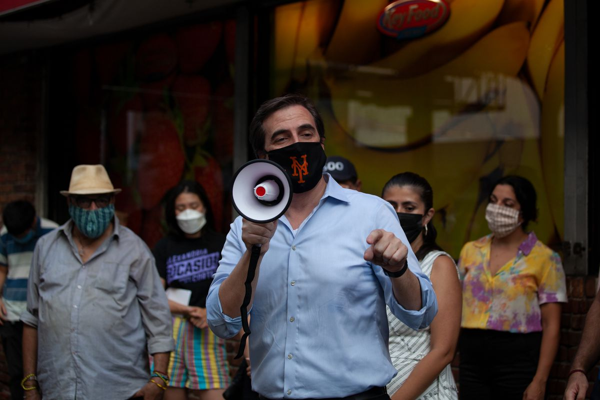 State Sen. Michael Gianaris speaks at a rally to save an Astoria, Queens Key Foods, Aug. 27, 2020.