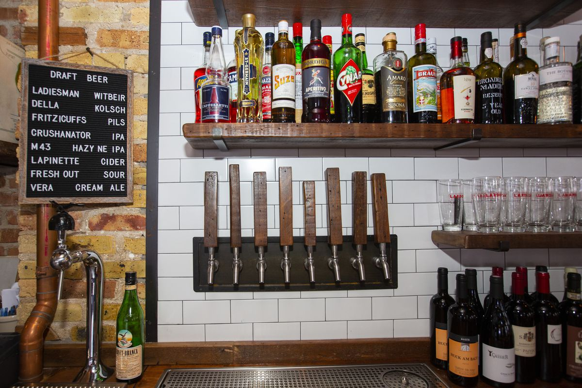 A close up on a corner of the bar