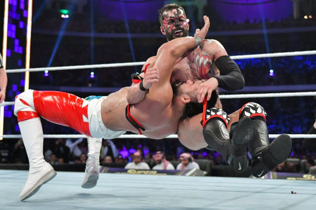 Cageside Community Star Ratings: Finn Balor vs  Andrade