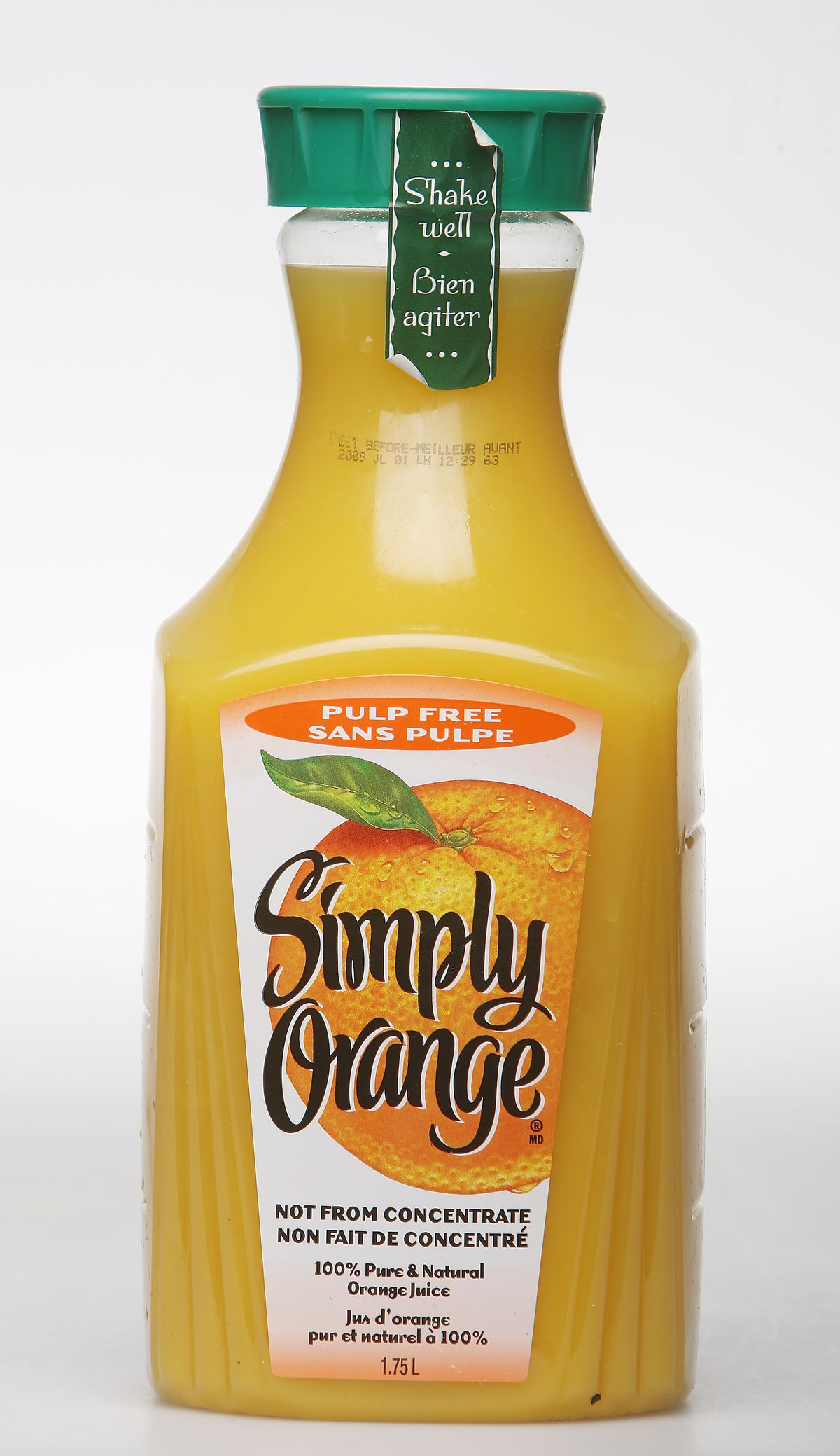"""May 19, 2009 """"Simply Orange Juice"""" Five types of orange juice to taste test. goes with new expose on"""