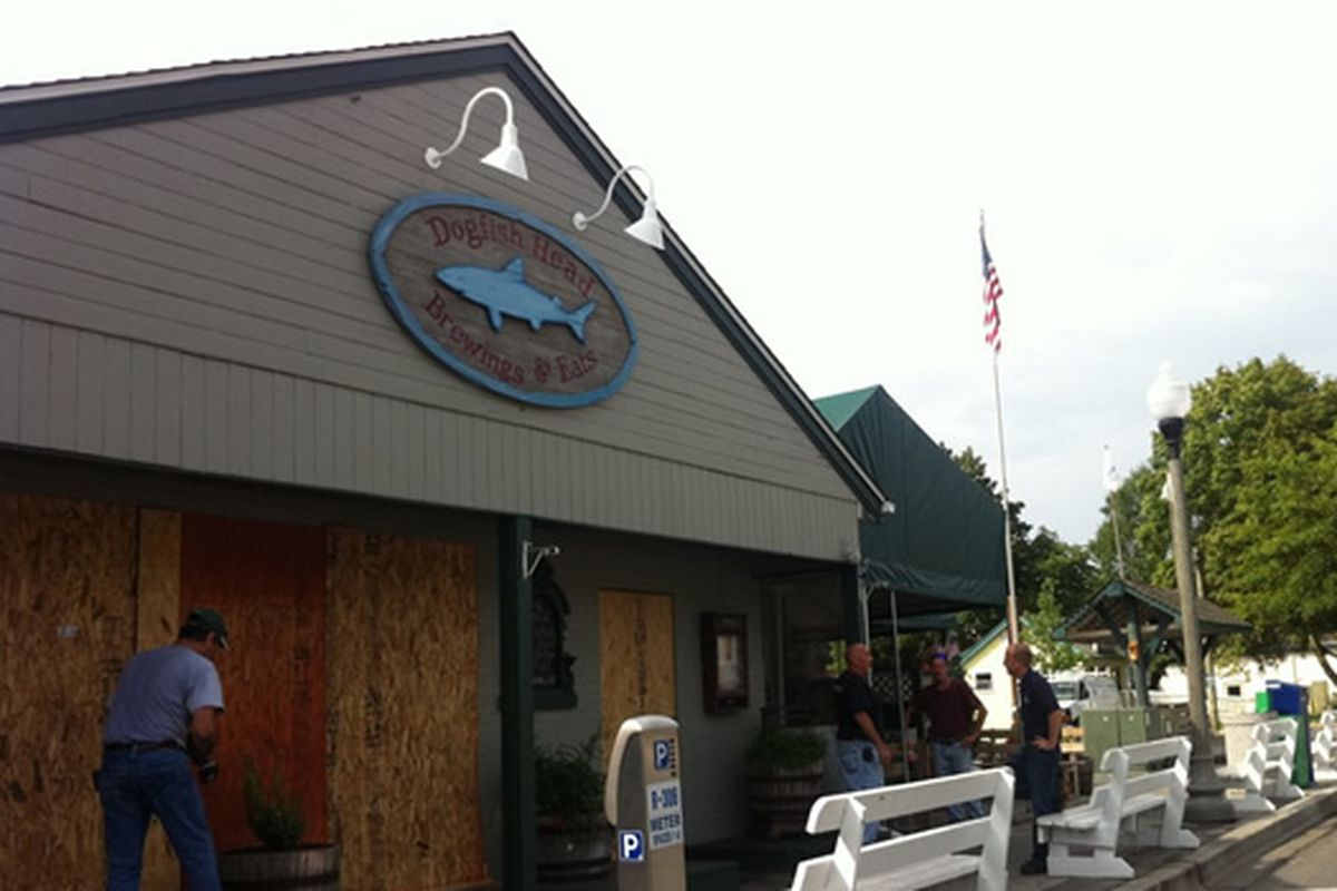 Battening Down The Hatches: Dogfish Head Brewery & Eats, Rehoboth Beach, DE