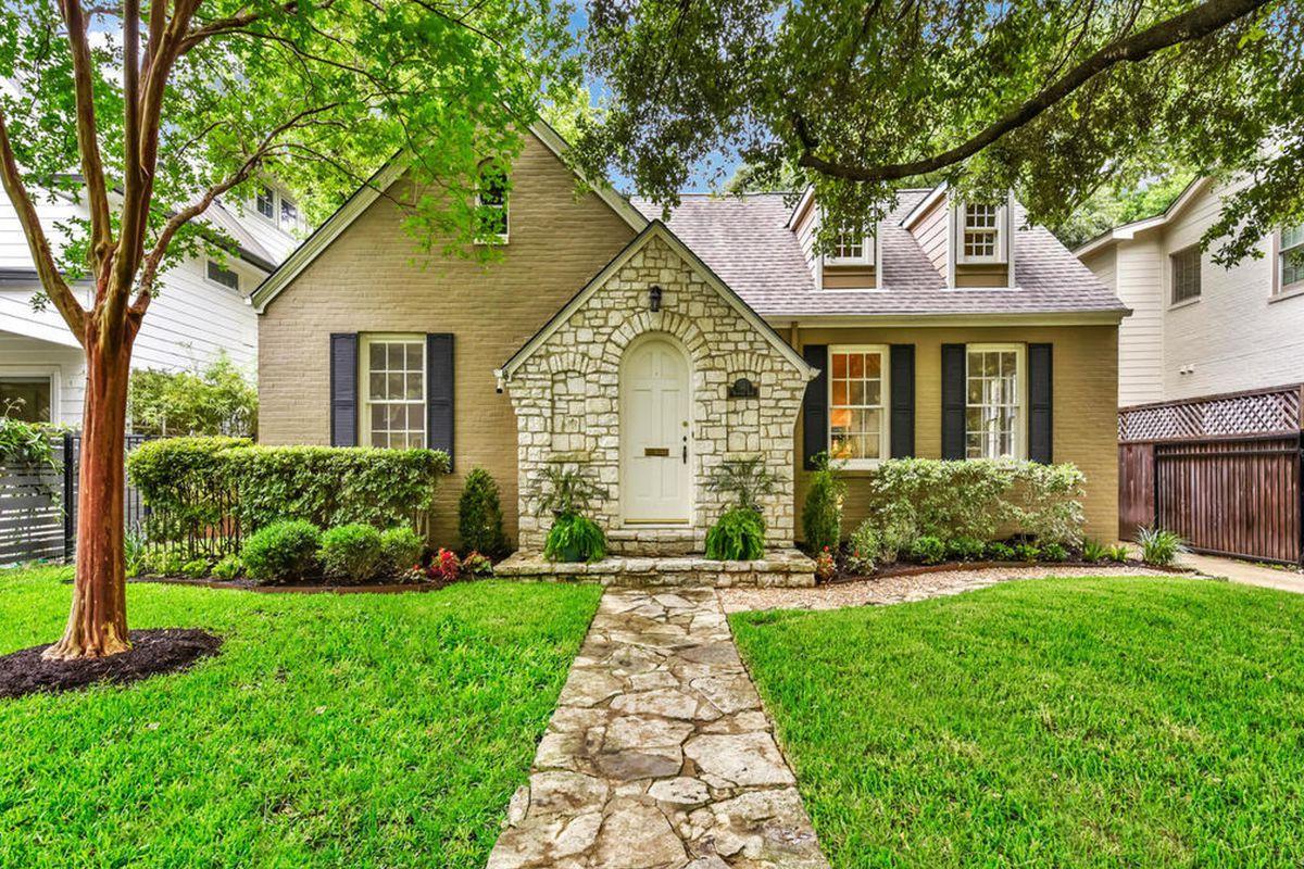 small 194=35 stone and brick home
