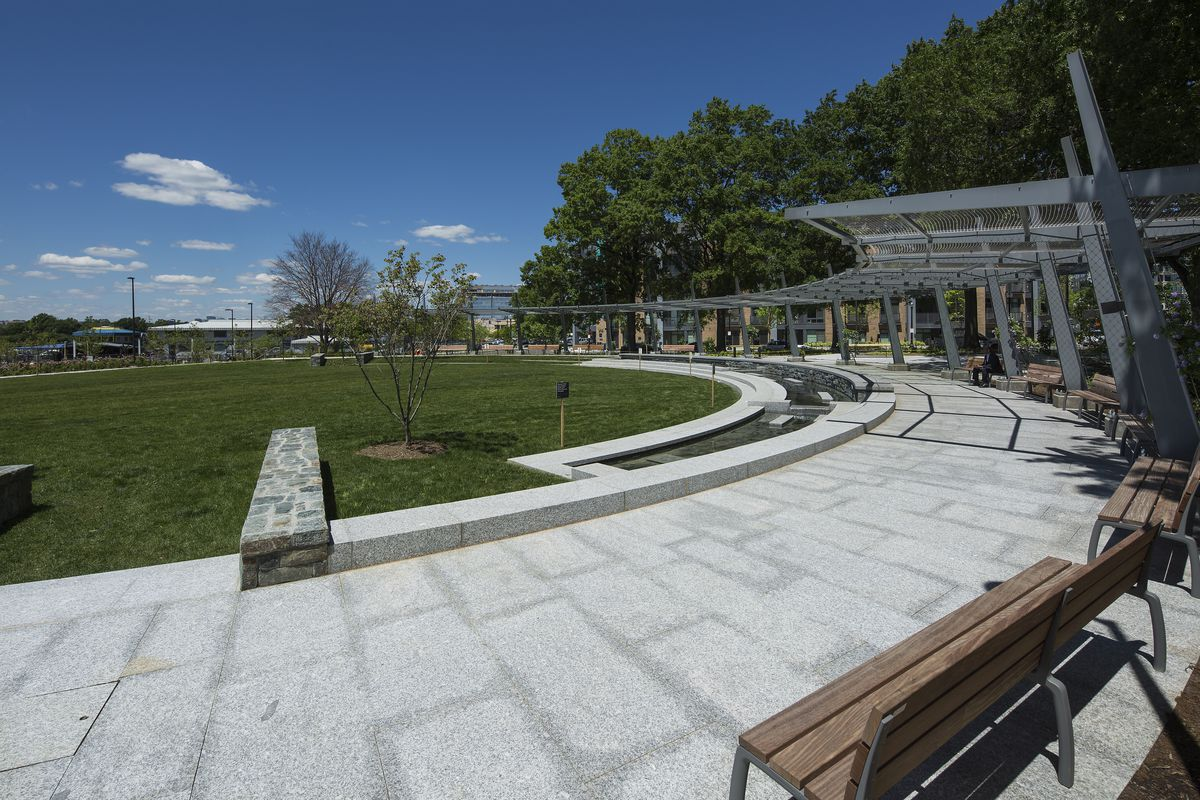 The wharfs waterfront park is finally unveiled curbed dc