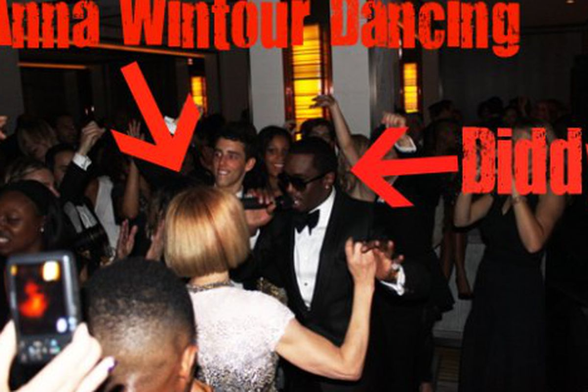 """Via <a href=""""http://racked.com/archives/2010/05/06/photo-anna-wintour-shakes-it-with-diddy-at-the-met-afterparty.php"""">Racked National</a>"""