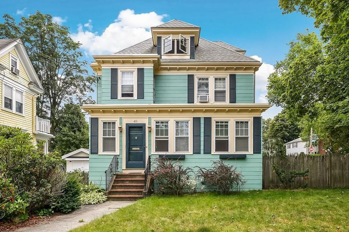 Colonial on the west roxbury roslindale border includes for House for sale at chicago