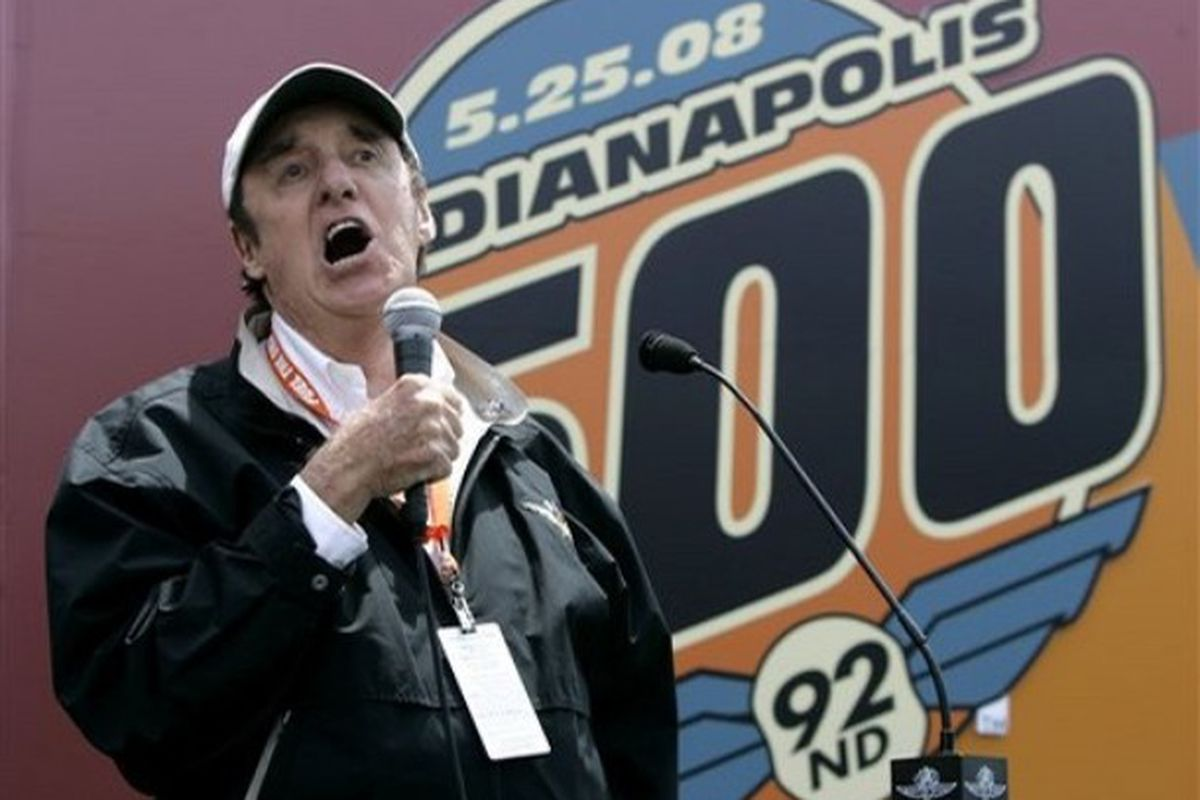 """Jim Nabors sings """"Back Home Again in Indiana"""" before the 92nd running of the Indianapolis 500 auto race at the Indianapolis  Motor Speedway in Indianapolis, Sunday, May 25, 2008. (Photo: Associated Press)"""