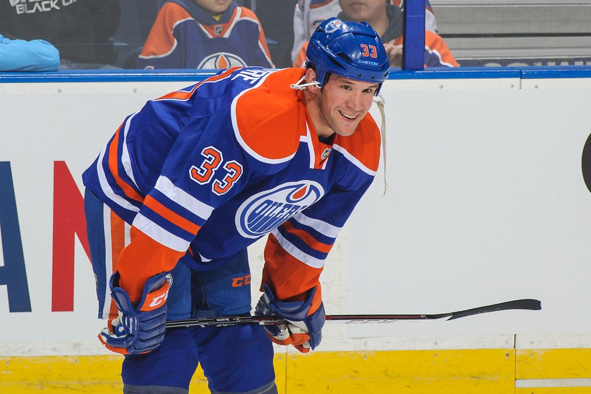 Although he didn't play Steve MacIntyre was the Oilers' choice for an emergency call up!