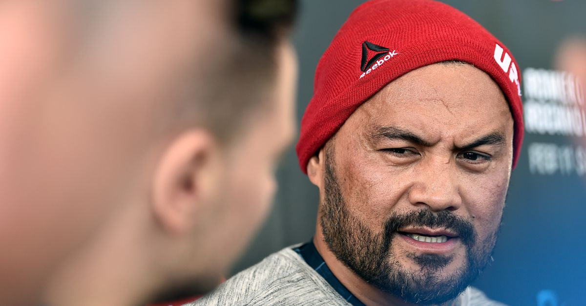 Mark Hunt leaving UFC after contract expires, plans to fight globally before retirement