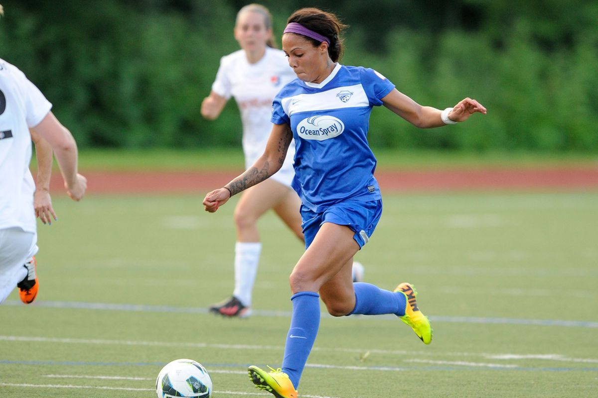 Breakers Forward Sydney Leroux earned recongition for two standout performances in week 13
