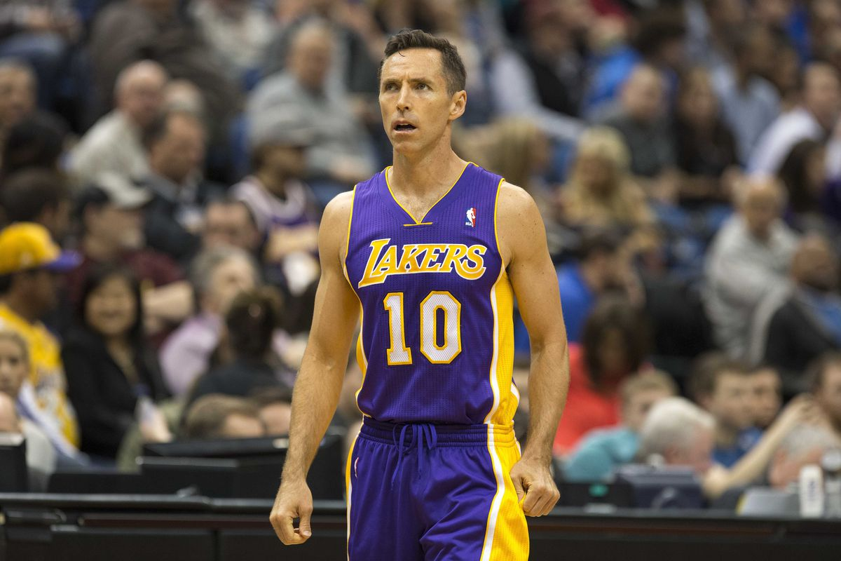on sale 8e2b4 9ef29 Steve Nash leaves Lakers preseason game because body 'didn't ...